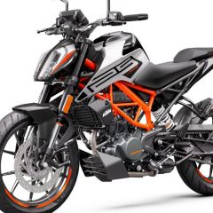 KTM_125_DUKE_-_front_left_grey